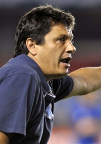 Adílson diz que time foi consciente desde o início do jogo no Uruguai