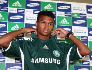 Revelado no Flamengo, Bruno Paulo não conseguiu espaço no Palmeiras e deve pintar no Vasco
