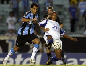 As coisas não estavam dando certo, admite Fábio Santos, após vitória sobre o Guarani no Olímpico