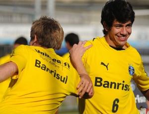 Saimon pode ter o mesmo destino de Mário Fernandes: a Internazionale; jovens são observados