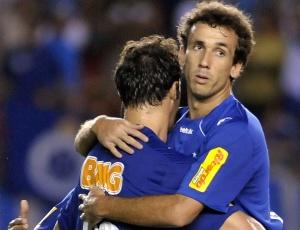 Thiago Ribeiro e Kléber (f) ajudam o Cruzeiro a ter o ataque mais positivo do Campeonato Mineiro