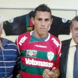 Romano, novo lateral-esquerdo da Portuguesa