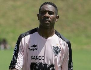 Zagueiro Jairo Campos cumpre suspensão automática contra o Fluminense, pelo 3º amarelo