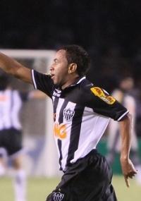Júnior será poupado para o jogo de volta com o Sport na Copa BR