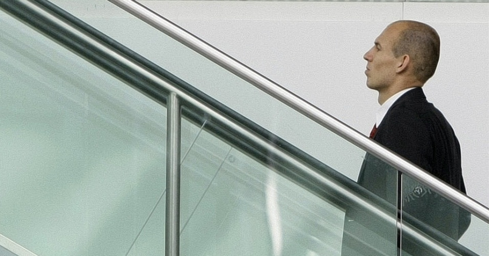 Robben, do Bayern, embarca para a Inglaterra para jogo contra Manchester United