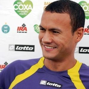 Zagueiro Jeci retorna ao time do Coritiba, nesta quinta-feira, diante do Iraty, pelo Paranaense