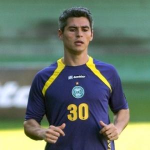 Lateral-direito Rodrigo Heffner será a novidade no Coritiba, contra o Iraty, nesta quinta, no Couto