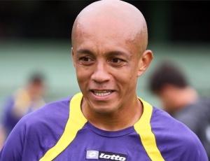 Lateral-esquerdo Triguinho pode voltar ao time do Coritiba, após se recuperar de uma lesão