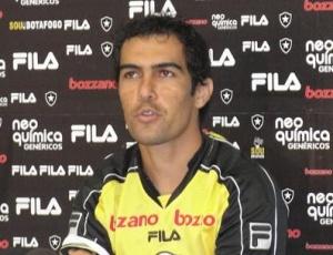Volante Túlio Souza iniciou o ano sob desconfiança e chegou, inclusive, a treinar sozinho no clube