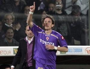 Keirrison comemora gol feito pela Fiorentina