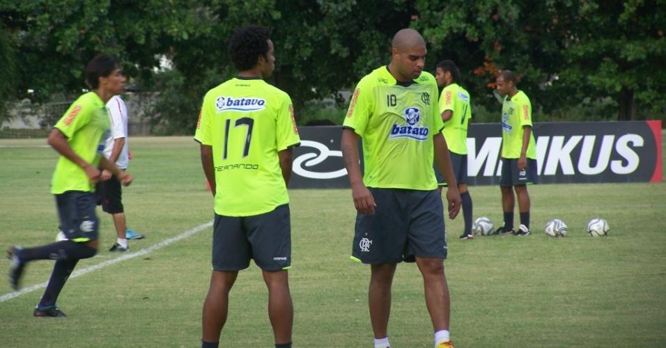 Atacante Adriano treina no Ninho do Urubu, CT do Flamengo