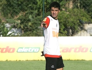 Cáceres, que disputou apenas um jogo da Copa, disse que está bem fisicamente para voltar ao time