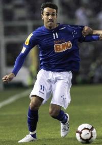 Thiago Ribeiro diz que Cruzeiro precisa caprichar nas finalizações