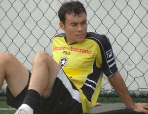 Meio-campo do Botafogo, Renato Cajá, está confiante em um possível acordo com a Ponte