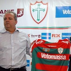 Vadão é apresentado oficialmente pela Portuguesa