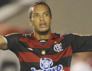 O meia-campo Michael está de volta ao grupo do Flamengo após se recuperar de dores musculares