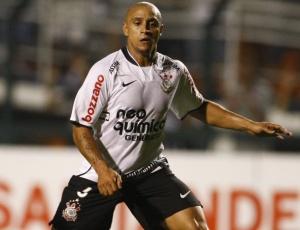 Com Mano no comando, Roberto Carlos quer voltar à seleção, mas nega possibilidade de despedida