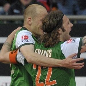 Com um gol de pênalti marcado por Frings nos acréscimos, Werder Bremen derrotou Colônia