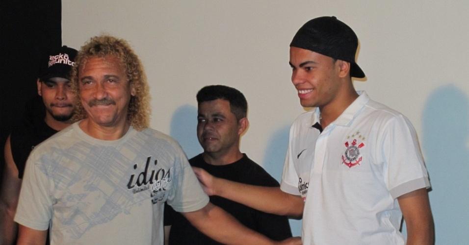 Dentinho e Biro Biro em evento realizado pelo Corinthians