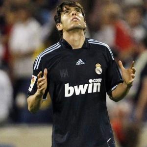Kaká saiu do banco de reservas para marcar o gol da vitória do Real por 2 a 1, contra o Zaragoza