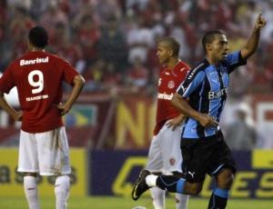 Para zagueiro Rodrigo, Grêmio deve ir para o recesso a no máximo quatro pontos do líder