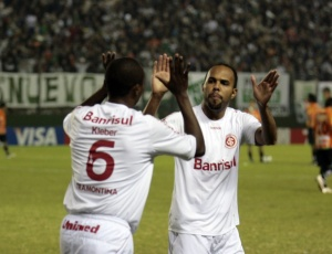 Autor de quatro gols na Libertadores, Alecsandro não pôde jogar a grande final no Beira-Rio