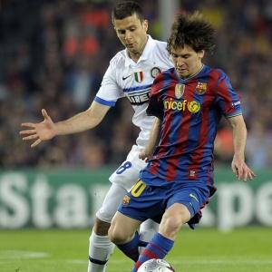 Bem marcado pela defesa da Internazionale, Messi não repetiu atuações destacadas pelo Barcelona