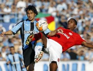 Glaydson vem ganhando chances no Inter como lateral-direito; Fossati gosta e elogia volante