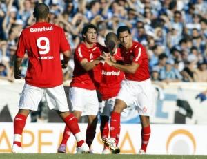 Artilheiro de gols importantes, Giuliano também marcou para o Inter em último Gre-Nal do Gauchão