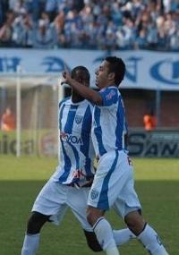 Jogadores do Avaí comemoram gol durante a final do Campeonato Catarinense 2010 contra o Joinville