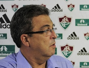 Alcides Antunes vem tentando reforços para o Flu