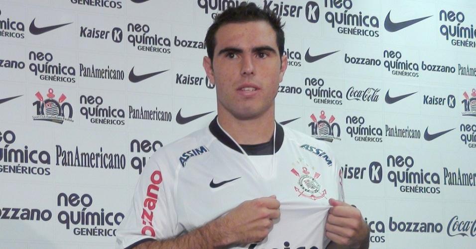 Bruno César, ex-Santo André, é apresentado como reforço do Corinthians