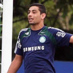 Esperando por uma definição até o fim da semana, Diego Souza não teme voltar a jogar pelo Palmeiras