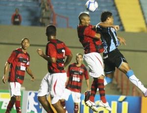 0 a 0 entre Grêmio e Atlético-GO foi garantido pelas defesas de Victor, principalmente no final da partida