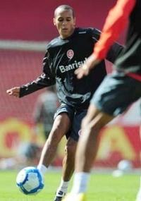 De volta ao Inter, Derley estava no Náutico há um ano e oito meses