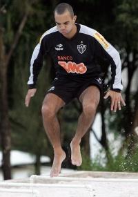 Diego Tardelli avalia que apesar da 3ª derrota, Atlético jogou bem