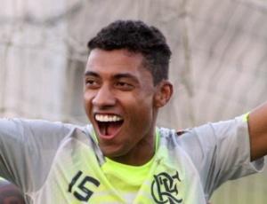 Volante Kleberson sabe que o Flamengo terá uma partida complicada contra o Avaí, no Maracanã