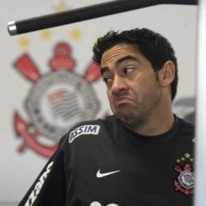 Contrato do zagueiro Chicão com o Corinthians se encerra no próximo dia 31 de dezembro