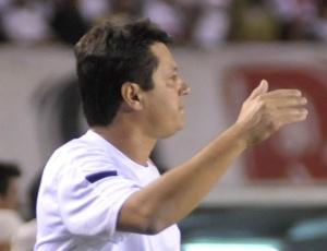 Nos quatros jogos em que o Cruzeiro pegou o Botafogo sob comando de Adilson, só perdeu um