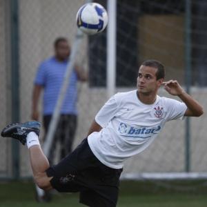 Morais foi jogador do Corinthians antes de acerto com o Bahia; Ávine também foi indicado por Renato