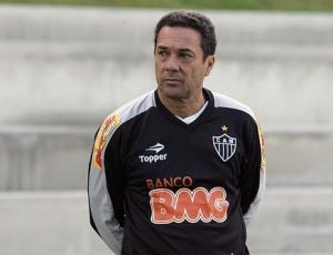 Jogadores do Botafogo pregam muito respeito ao técnico do Atlético-MG, Vanderlei Luxemburgo