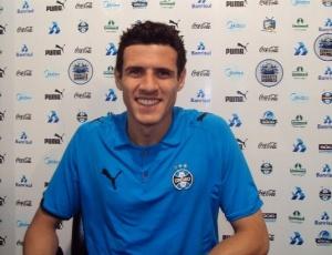 Empresários de Maylson estão em Portugal para tentar negociar volante do Grêmio com o Benfica