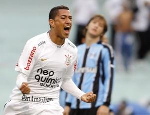 Além de anotar dois gols, Ralf é o jogador com melhor média de desarmes na competição nacional