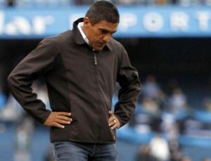 Técnico Silas deixa Maracanã triste por perceber que era possível vencer o Flamengo neste sábado
