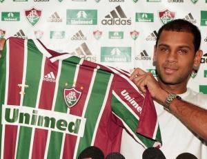 Carlinhos já fez seu primeiro jogo pelo Fluminense