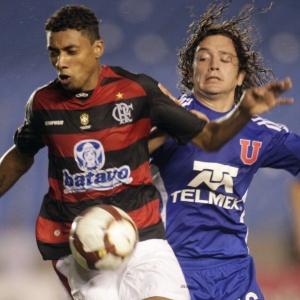 Kleberson foi o último jogador a chegar nesta sexta-feira por causa da partida entre Flamengo e Universidade do Chile. O duelo aconteceu na noite de quinta-feira, em Santiago, pela Libertadores