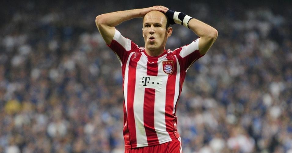 Robben se lamenta após chance perdida pelo Bayern contra a Inter na final