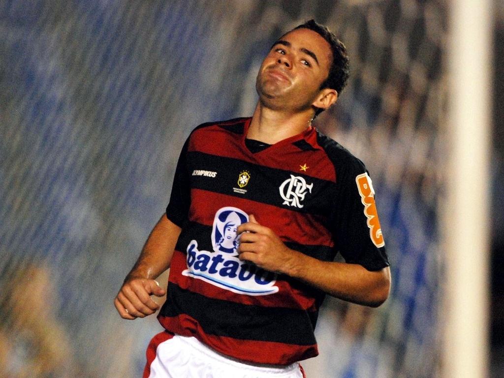 Juan lamenta chance perdida para o Flamengo contra o Grêmio Prudente