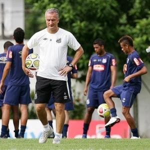 Dorival garante ter moral com elenco santista. Marquinhos defende treinador de críticas