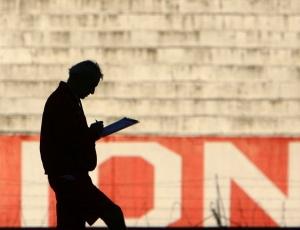 Fossati prefere esquema com três zagueiros, que já rendeu 14 gols sofridos em sete jogos